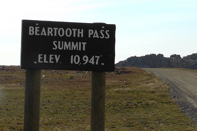 Beartooth Pass reopens after Thursday morning closure due to